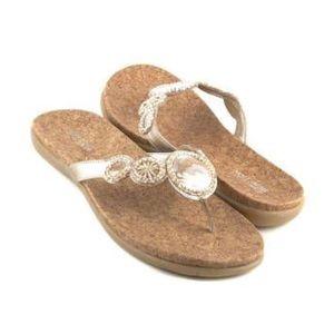 Kenneth Cole Reaction   Gold Landing Glam Sandals